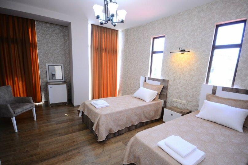 Стандарт двухместный с 2 отдельными кроватями, Шоссе аэропорта, 64а, Батуми - Фотография 1