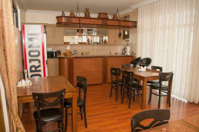 """Отель """"Family"""", улица Николая Бараташвили, 1 на 6 номеров - Фотография 3"""