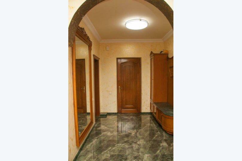 """Отель """"Family"""", улица Николая Бараташвили, 1 на 6 номеров - Фотография 7"""