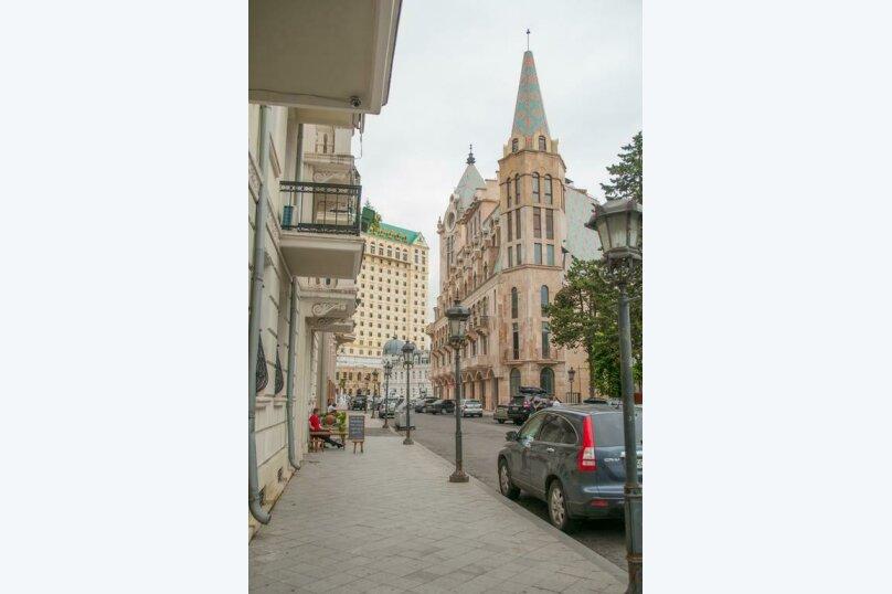 """Отель """"Family"""", улица Николая Бараташвили, 1 на 6 номеров - Фотография 11"""