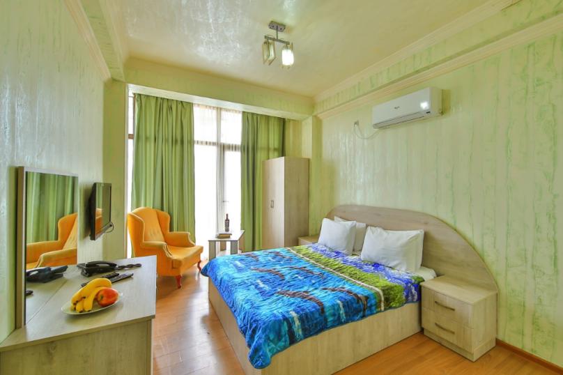 Двухместный стандарт с двухспальной кроватью, Шоссе Аэропорта, 150, Батуми - Фотография 1