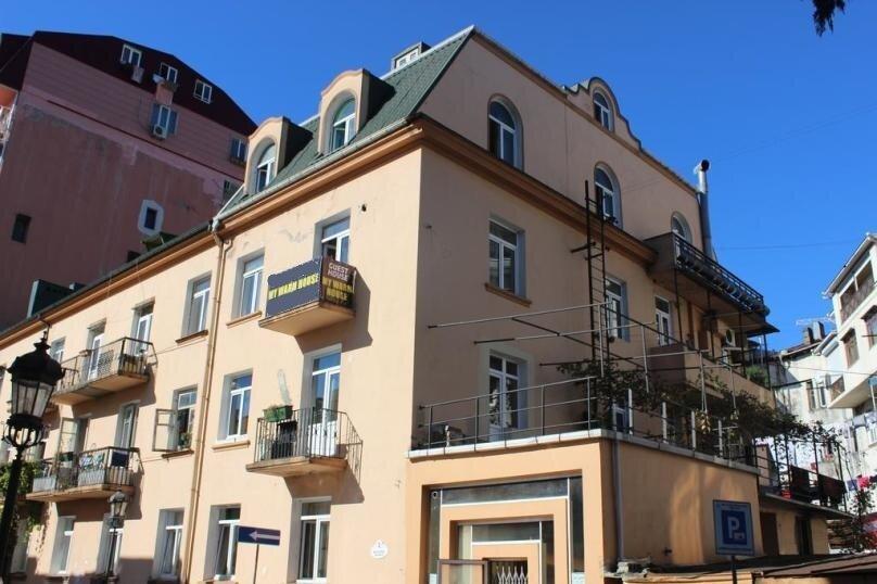 """Гостевой дом """"My Warm Guest House"""", улица Ахмеда Мелашвили, 2 на 10 комнат - Фотография 3"""