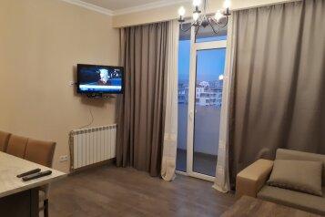 2-комн. квартира, 60 кв.м. на 2 человека, улица Сулхана Цинцадзе, Тбилиси - Фотография 3