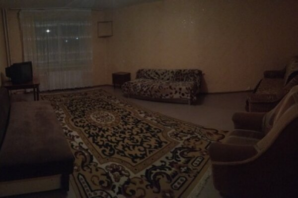 3-комн. квартира, 64 кв.м. на 9 человек, улица Колесова, 19, Центральный округ, Миасс - Фотография 1