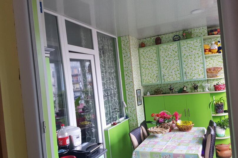 5-комн. квартира, 140 кв.м. на 9 человек, улица Инасаридзе, 4, Батуми - Фотография 17