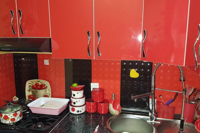 5-комн. квартира, 140 кв.м. на 9 человек, улица Инасаридзе, 4, Батуми - Фотография 37