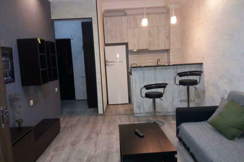 2-комн. квартира, 58 кв.м. на 3 человека, проспект Пекина, 30, Тбилиси - Фотография 1