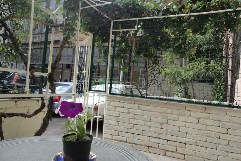 3-комн. квартира, 300 кв.м. на 4 человека, проспект Шота Руставели, 46, Тбилиси - Фотография 5