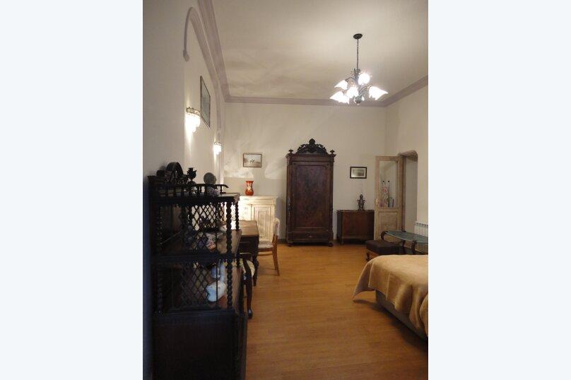 3-комн. квартира, 300 кв.м. на 4 человека, проспект Шота Руставели, 46, Тбилиси - Фотография 6