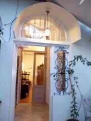 3-комн. квартира, 300 кв.м. на 4 человека, проспект Шота Руставели, Тбилиси - Фотография 2