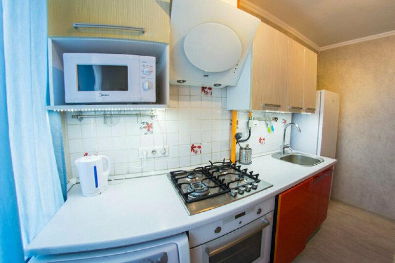 2-комн. квартира, 50 кв.м. на 4 человека, улица Красный Путь, 65, Омск - Фотография 14