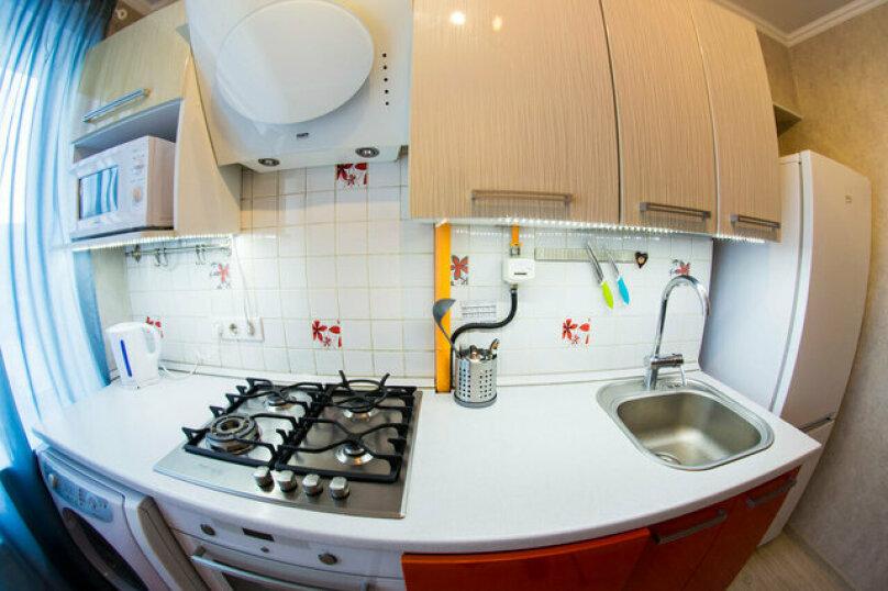 2-комн. квартира, 50 кв.м. на 4 человека, улица Красный Путь, 65, Омск - Фотография 15