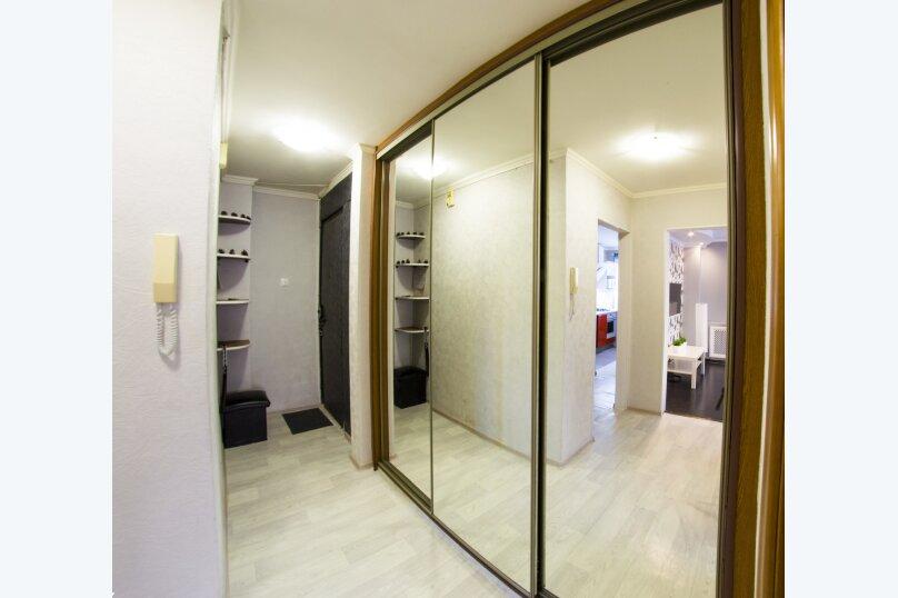 2-комн. квартира, 50 кв.м. на 4 человека, улица Красный Путь, 65, Омск - Фотография 18