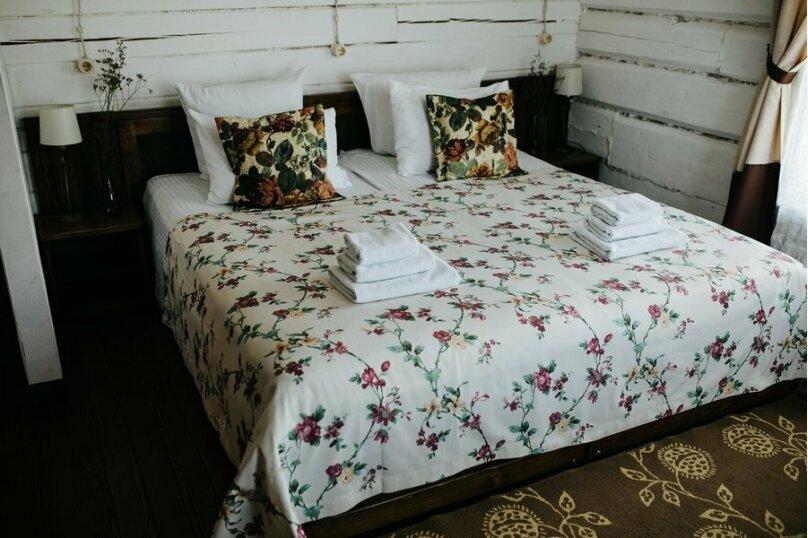 Double двухместный номер с одной двуспальной кроватью, улица Седова, 12, Иркутск - Фотография 1