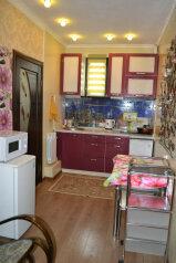Дом, 85 кв.м. на 9 человек, 3 спальни, улица Чкалова, Феодосия - Фотография 1
