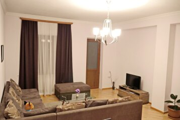 3-комн. квартира, 120 кв.м. на 6 человек, переулок Вахтанга Котетишвили, Тбилиси - Фотография 1