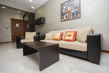 2-комн. квартира, 55 кв.м. на 4 человека, улица Павла Ингороквы, Тбилиси - Фотография 2