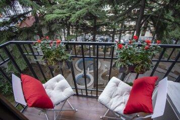 2-комн. квартира, 55 кв.м. на 4 человека, улица Павла Ингороквы, Тбилиси - Фотография 4