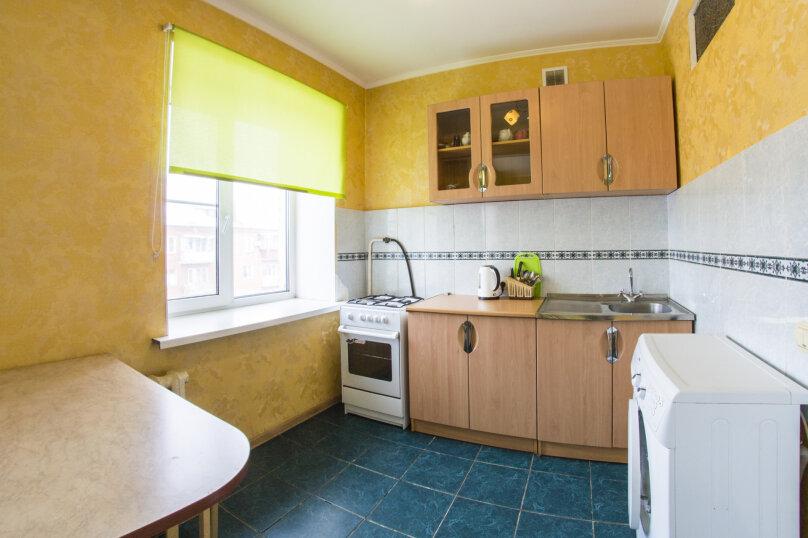 2-комн. квартира, 45 кв.м. на 4 человека, Маркса, 10А, Омск - Фотография 7