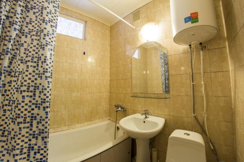 2-комн. квартира, 45 кв.м. на 4 человека, Маркса, 10А, Омск - Фотография 8