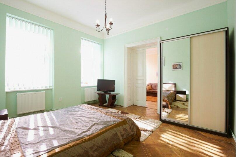 2-комн. квартира, 50 кв.м. на 4 человека, улица Спиридоновка, 24/1, Москва - Фотография 3