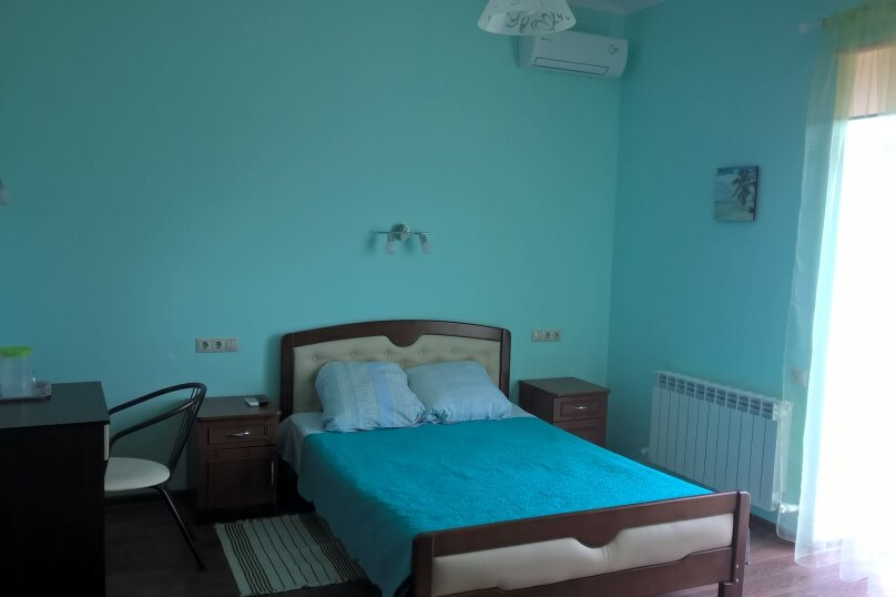 Номер люкс  Зеленый, Лозовая улица, 12, Витязево - Фотография 1