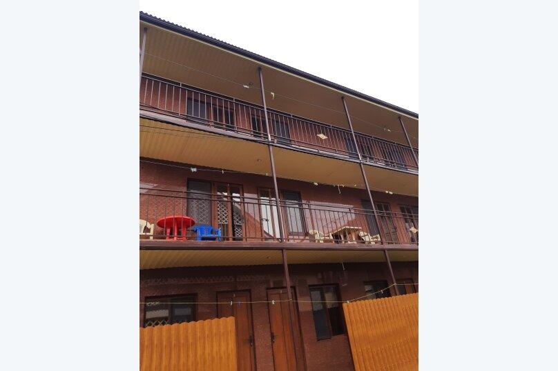 """Гостевой дом """"Кубань-2"""", Озерная улица, 25 на 12 комнат - Фотография 2"""