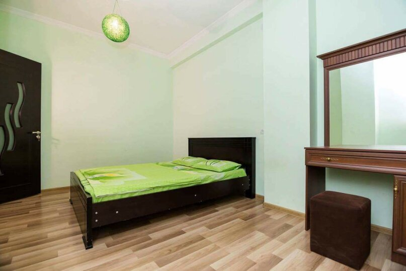 4-комн. квартира, 118 кв.м. на 10 человек, улица Георгия Кучишвили, 10, Тбилиси - Фотография 8