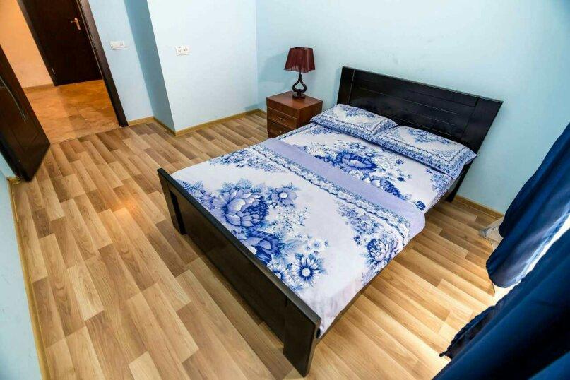 4-комн. квартира, 118 кв.м. на 10 человек, улица Георгия Кучишвили, 10, Тбилиси - Фотография 9