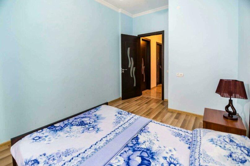 4-комн. квартира, 118 кв.м. на 10 человек, улица Георгия Кучишвили, 10, Тбилиси - Фотография 11