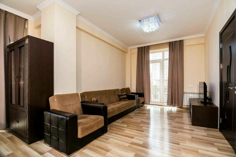 4-комн. квартира, 118 кв.м. на 10 человек, улица Георгия Кучишвили, 10, Тбилиси - Фотография 19