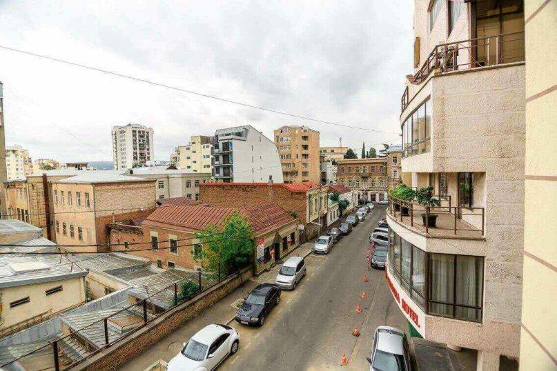 4-комн. квартира, 118 кв.м. на 10 человек, улица Георгия Кучишвили, 10, Тбилиси - Фотография 31