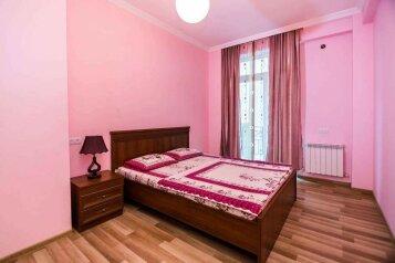 4-комн. квартира, 118 кв.м. на 10 человек, улица Георгия Кучишвили, 10, Тбилиси - Фотография 1