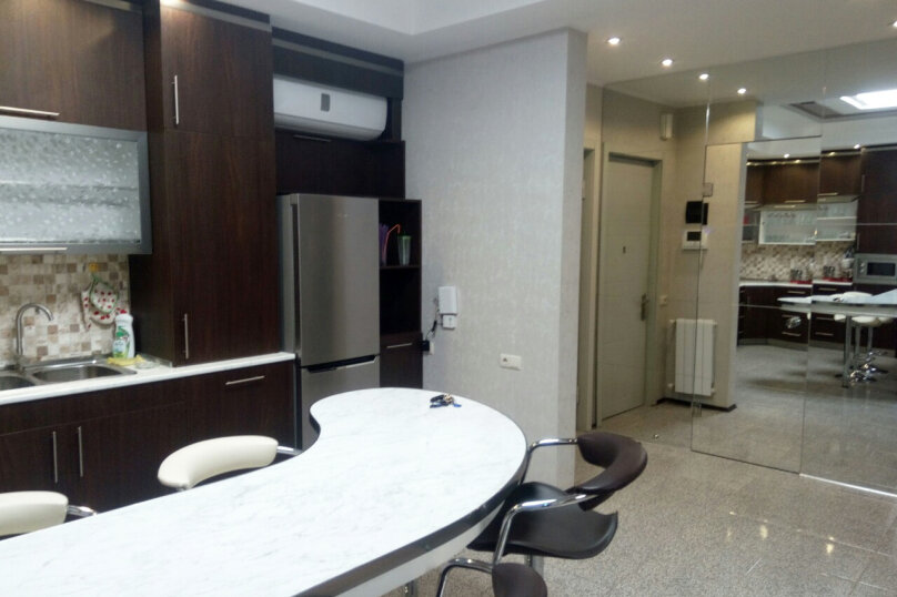3-комн. квартира, 95 кв.м. на 4 человека, улица Павла Ингороквы, 19, Тбилиси - Фотография 10