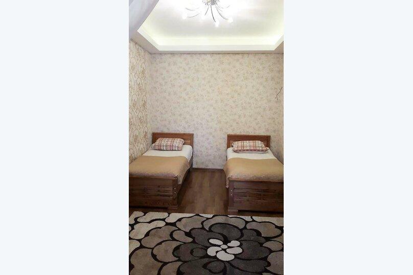 3-комн. квартира, 80 кв.м. на 4 человека, улица Тамары Човелидзе, 6, Тбилиси - Фотография 5