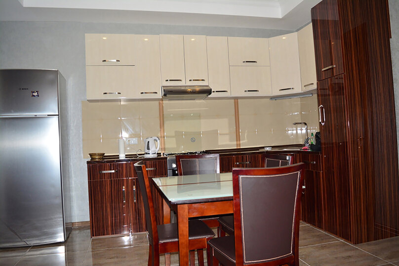 3-комн. квартира, 80 кв.м. на 4 человека, улица Тамары Човелидзе, 6, Тбилиси - Фотография 12