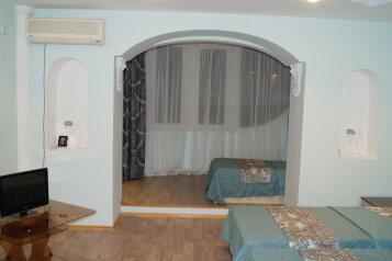 2-комн. квартира, 95 кв.м. на 6 человек, улица Карла Либкнехта, 10, Ейск - Фотография 1