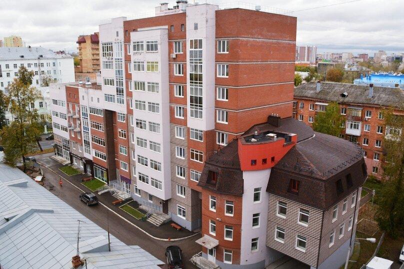 1-комн. квартира, 49 кв.м. на 4 человека, улица Луначарского, 66, Пермь - Фотография 1