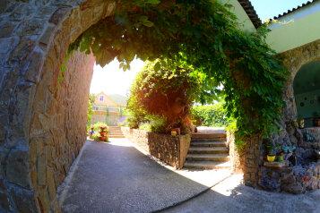 Дом под ключ в Судаке, 100 кв.м. на 10 человек, 4 спальни, улица Асрет Маалеси, 48, Судак - Фотография 1