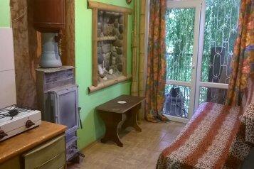 Дом, свой двор, 55 кв.м. на 4 человека, 1 спальня, Маратовская улица, Ялта - Фотография 3