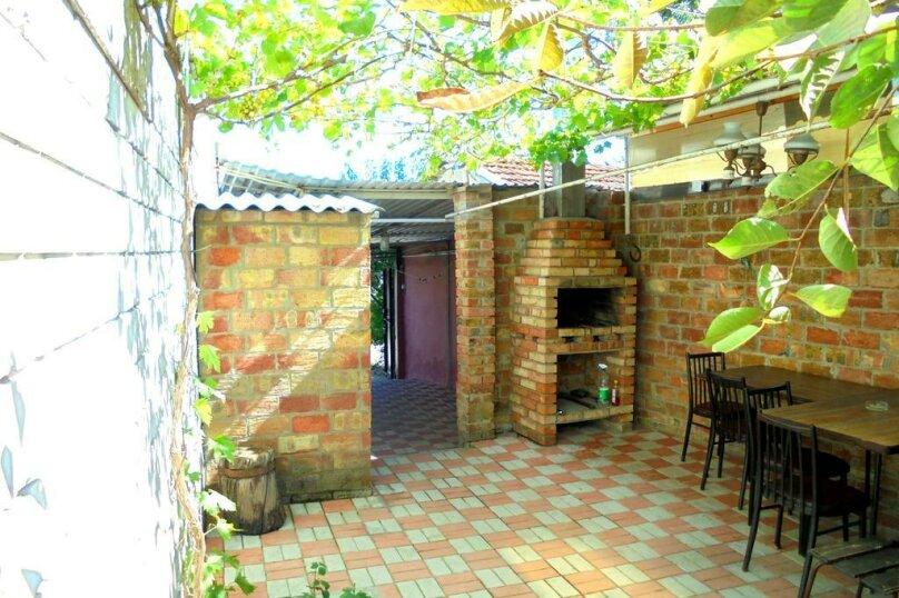 Отдельный дом со своим двором и гаражом, без хозяев., 60 кв.м. на 8 человек, 3 спальни, Лысогорный переулок, 4, Феодосия - Фотография 3