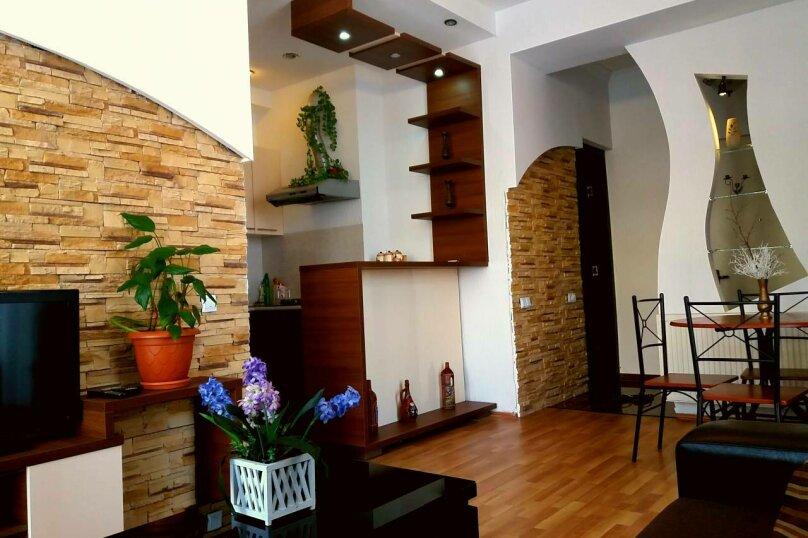 2-комн. квартира, 50 кв.м. на 2 человека, улица Павла Ингороквы, 19, Тбилиси - Фотография 1