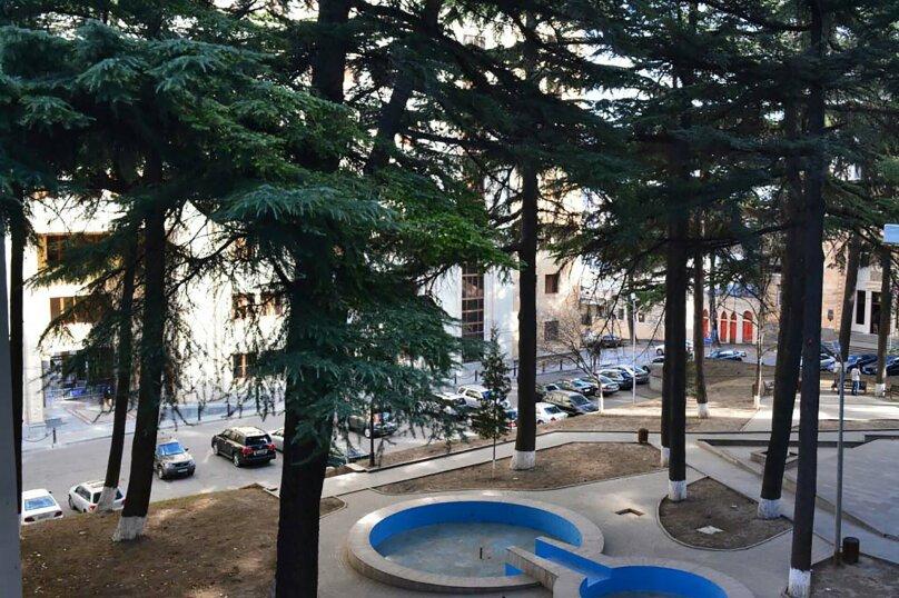 2-комн. квартира, 50 кв.м. на 2 человека, улица Павла Ингороквы, 19, Тбилиси - Фотография 17
