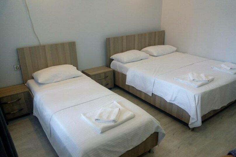 """Отель """"Batu"""", улица Звиада Гамсахурдия, 29 на 11 номеров - Фотография 17"""