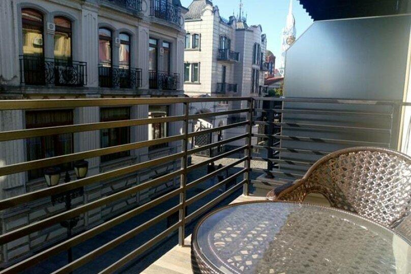 """Отель """"Batu"""", улица Звиада Гамсахурдия, 29 на 11 номеров - Фотография 3"""