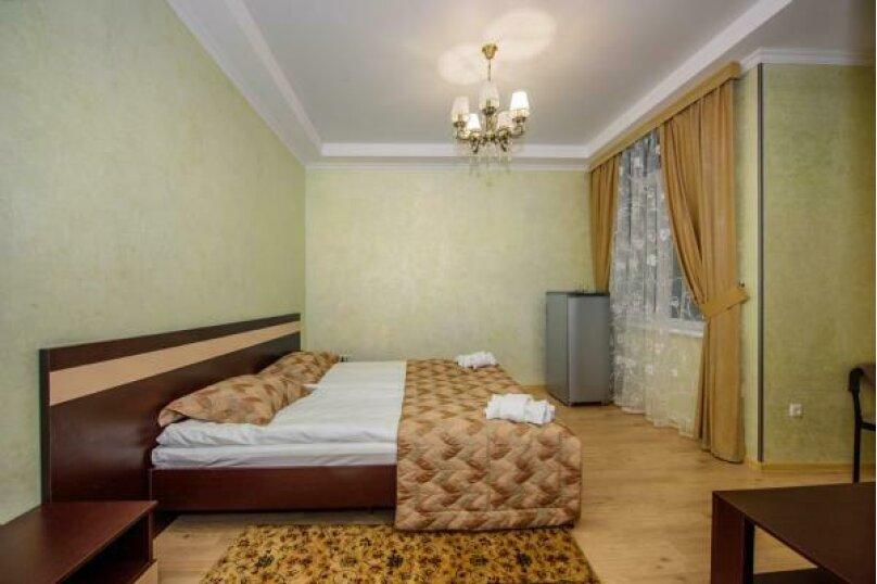 Двухместный бюджет (2 кровати), Набережная улица, 16Е, Профессорский Уголок, Алушта - Фотография 1
