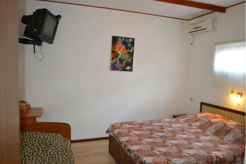 Однокомнатный трехместный с кухней на 2 номера, Таманский проезд, 3, село Сукко - Фотография 1
