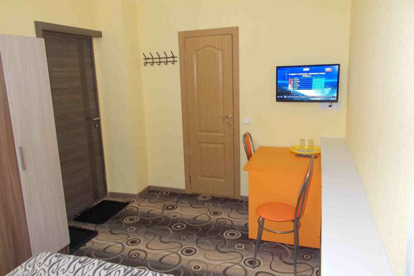 Двухместный номер с собственной ванной комнатой, ул. Уральских рабочих, 50а, Екатеринбург - Фотография 7