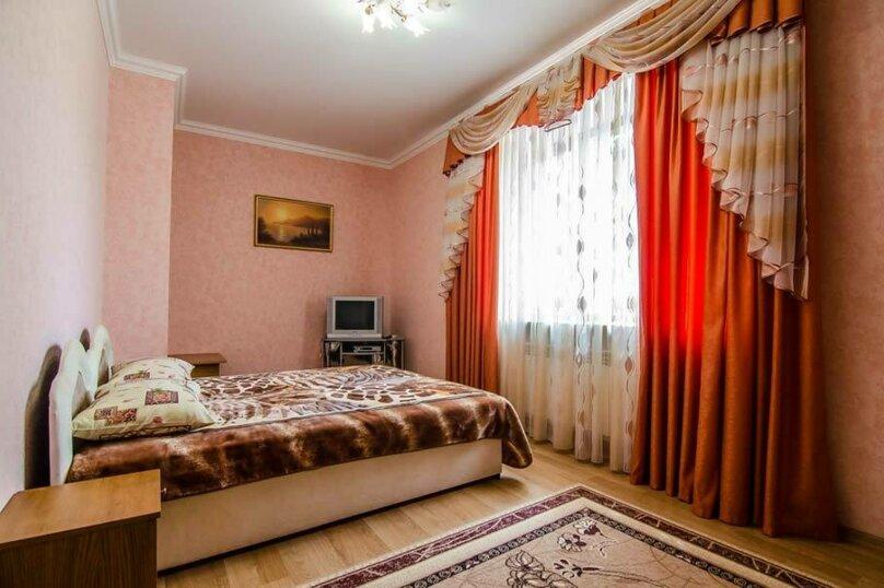 """Гостевой дом """"Уют на Дёмышева"""", улица Дёмышева, 18 на 6 комнат - Фотография 202"""
