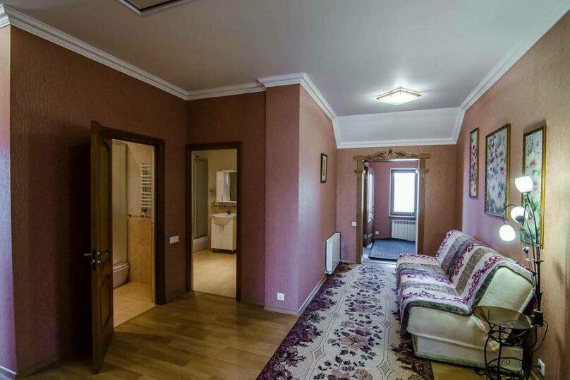 Отдельная комната, улица Дёмышева, 18, Евпатория - Фотография 1